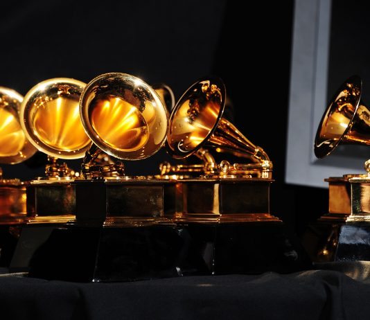 02 Grammys Trophy Billboard 1548
